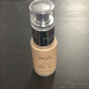 Pur Cosmetics 4-in-1 Love Your Selfie MG1